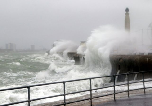 yellow weather warning issued for the south coast