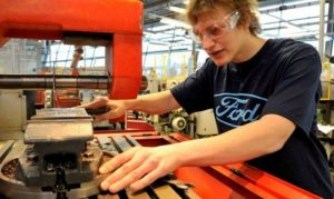 young people and employers urged to consider apprenticeships