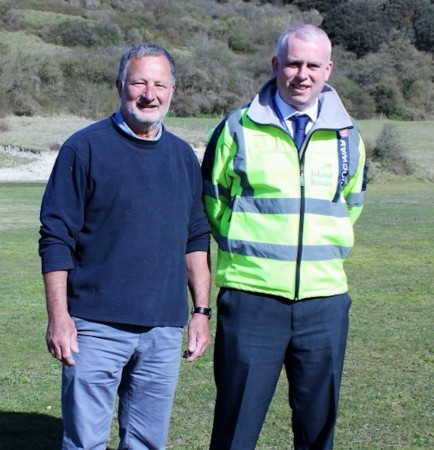 island roads pitch in to help young ventnor footballers