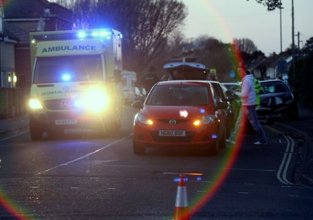 police close gosport road after three car collision