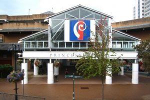 police cordon off area around a shopping centre in bracknell