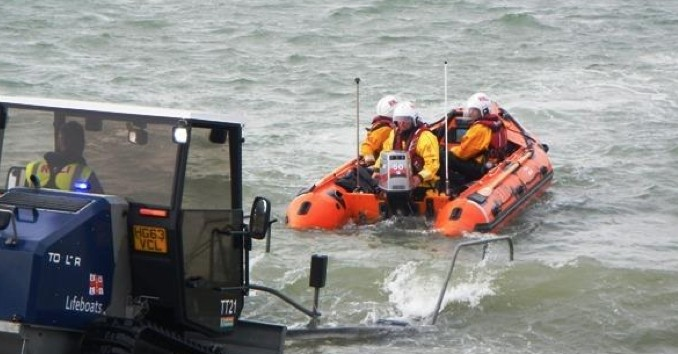 Bembridge Lifeboat Called Out After Anchor Gets Stuck