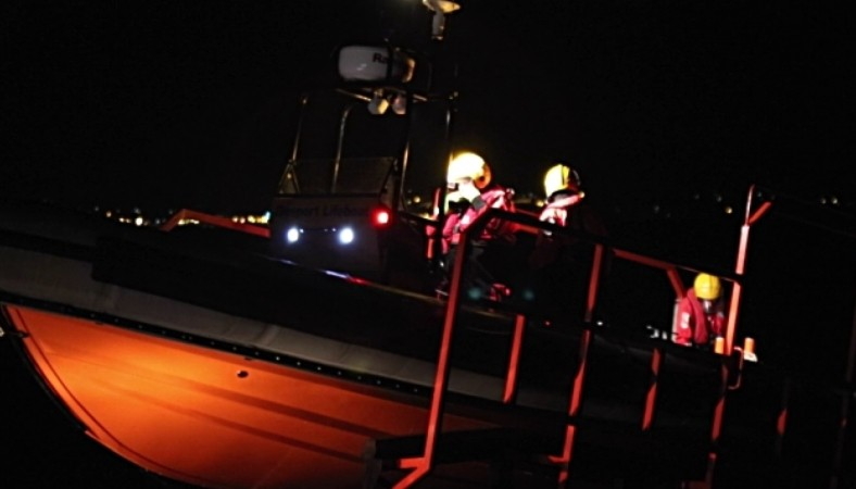 Lifeboat Called After Persons Report Clinging To Upturned  Boat In Portsmouth Harbour