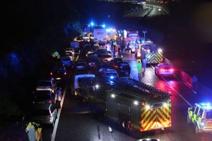 m27 motorway closed after serious collision