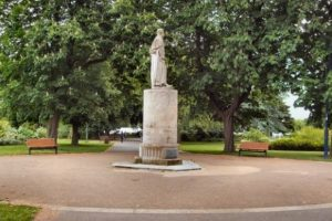 man attacked and punched in the face in east park southampton