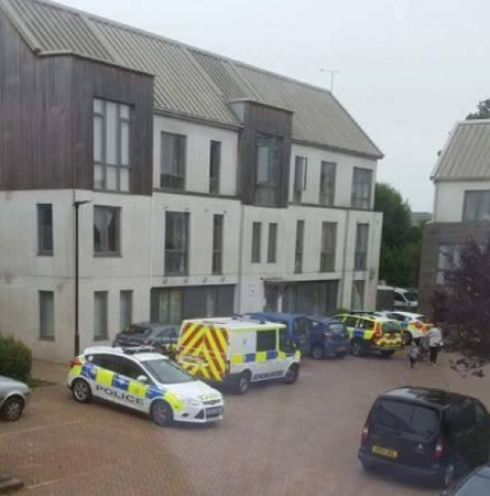 emergency services called to oakvale estate address on the isle of wight