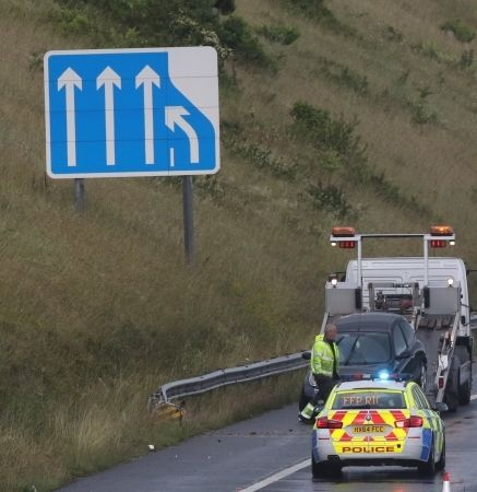 One Lane M27 And The Hardshoulder Closed After Vehicle Leave Carriageway