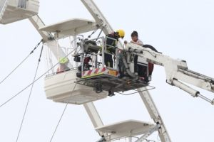passengers rescued after getting stuck on solent wheel in southsea
