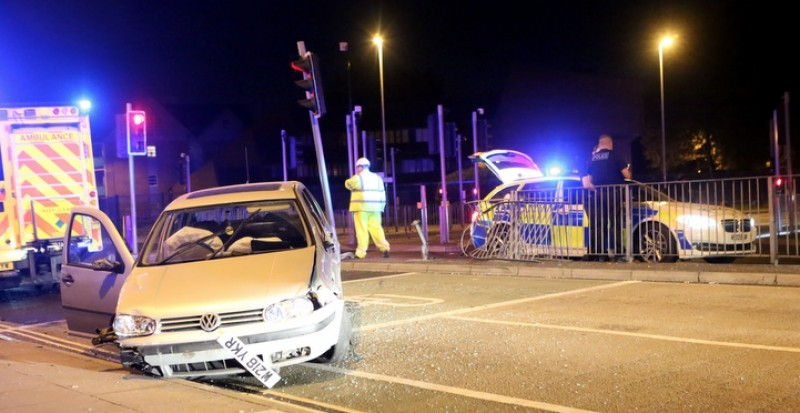 Car Ploughs Into Railings After Sixty Mile An Hour  Police Chase In Fratton