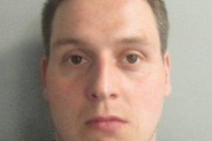 lloyd ernest edwards is wanted by police on recall to prison