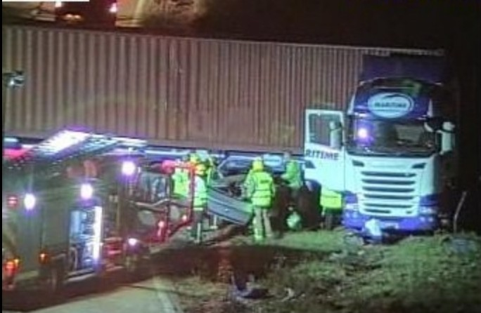 lorry jack knives on m27 after collision with car near southampton airport