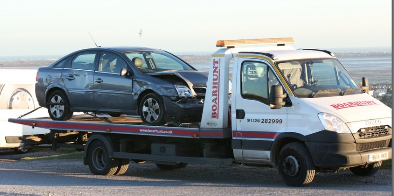 Car Ploughs Into Mick's Burger On  Portsdown Hill Portsmouth
