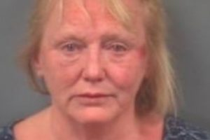 woman found guilty of murder after plunging steak knife into boyfriends back