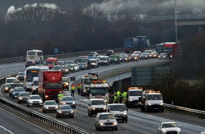 Family Cut From Car After Three Vehicle Crash  On M27 Near Hamble