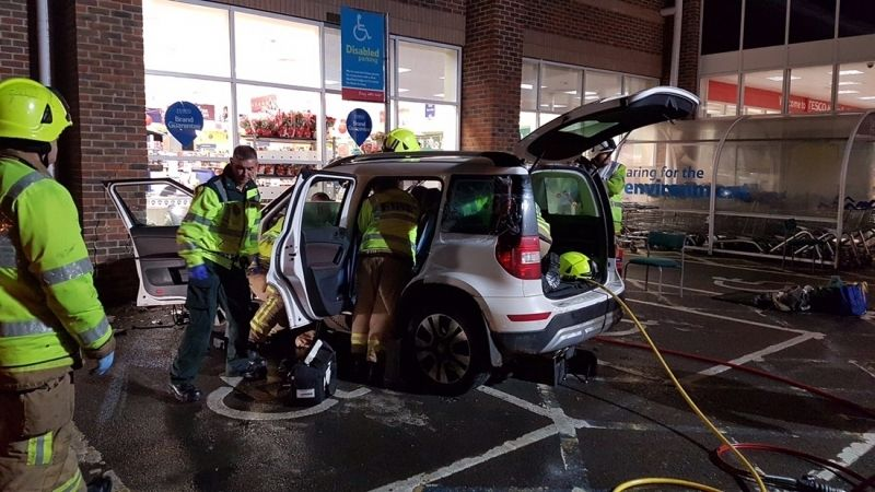 hungerford tesco closed after car smashes into building