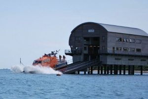bembridge lifeboat launched after debris washed up on beach
