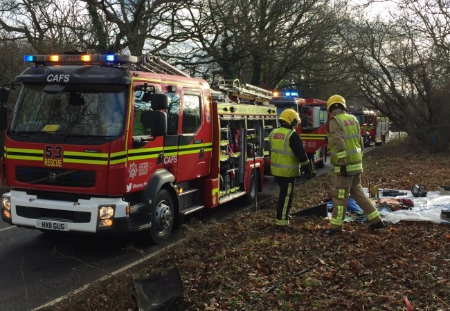 Fire Crews Cut Man  Free From Van Following Crash Near Nursling