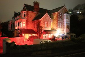 armed police storm ventnor hotel after staff spot man with a gun