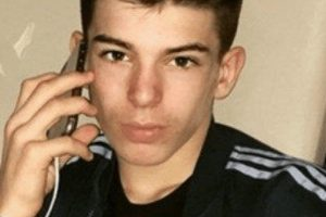 police are appealing for information to help trace two missing fareham teenagers