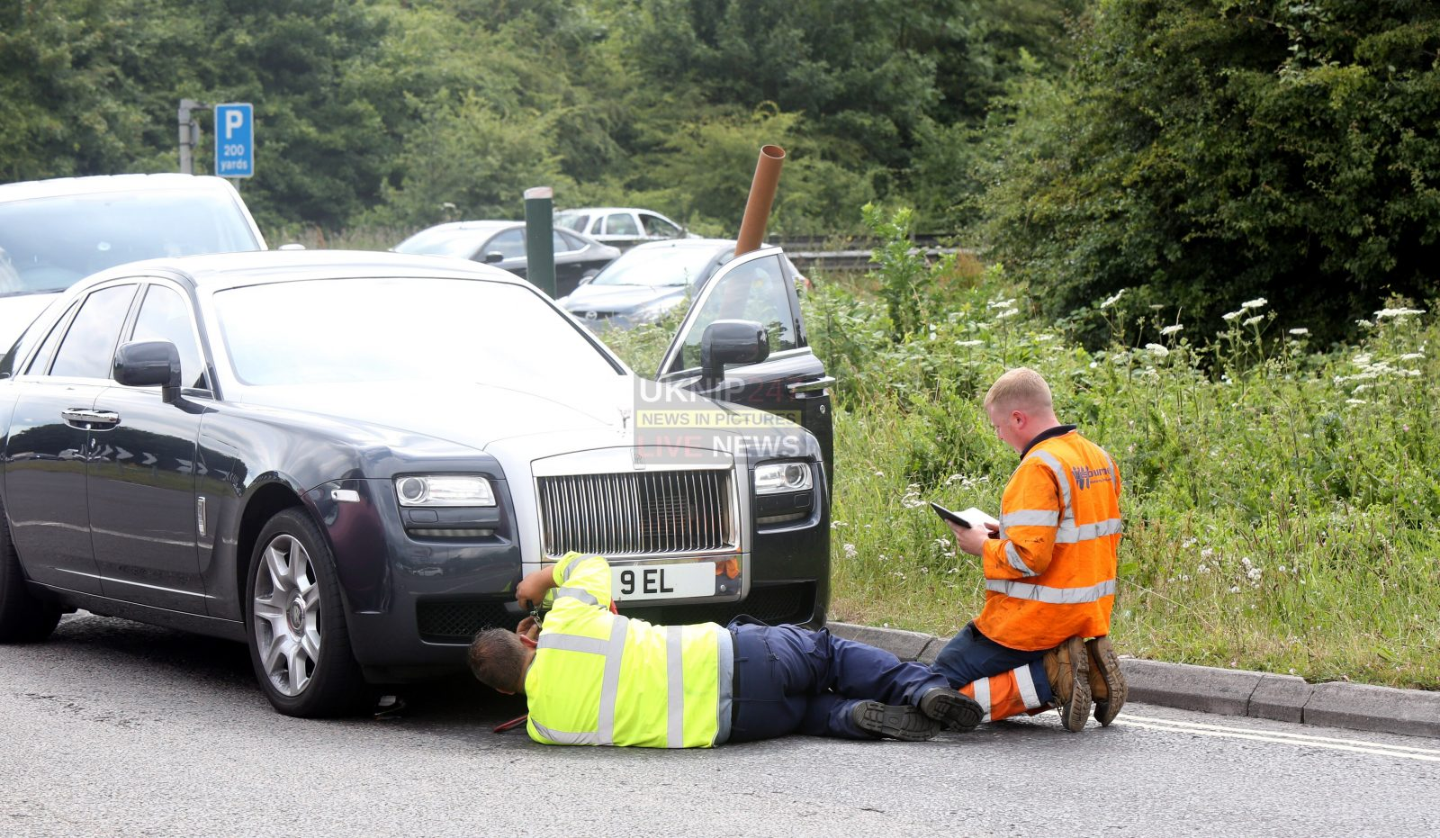 Owner Abandons  £300k  Broken Down Rolls Royce On The A27 In Chichester