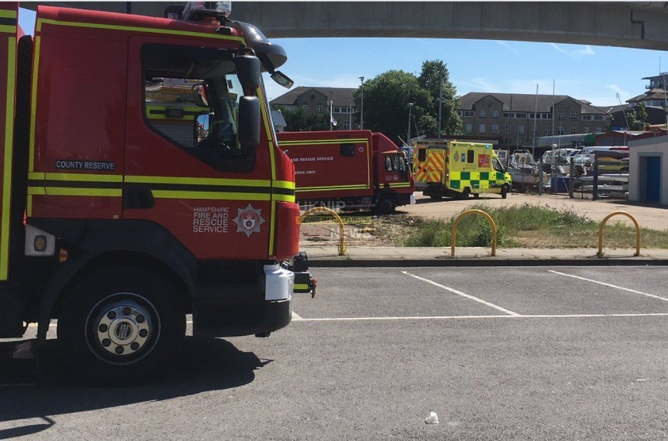 major search after person falls from itchen bridge in southampton