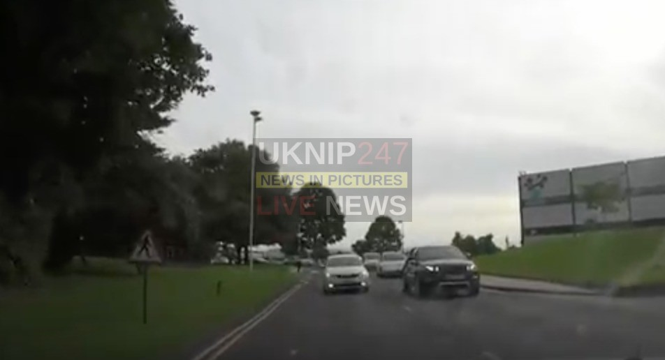havant 626 taxi driver suspended after driving on the wrong side of the road in portsmouth