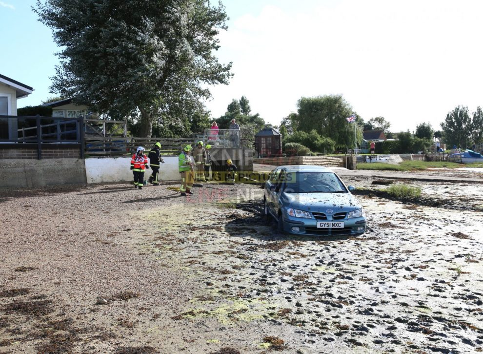 oap thought short cut via the creek on hayling island would get him home quicker