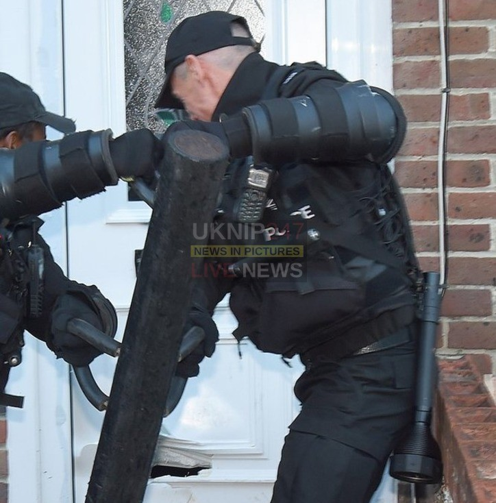 three arrested after portsmouth drug raid by police