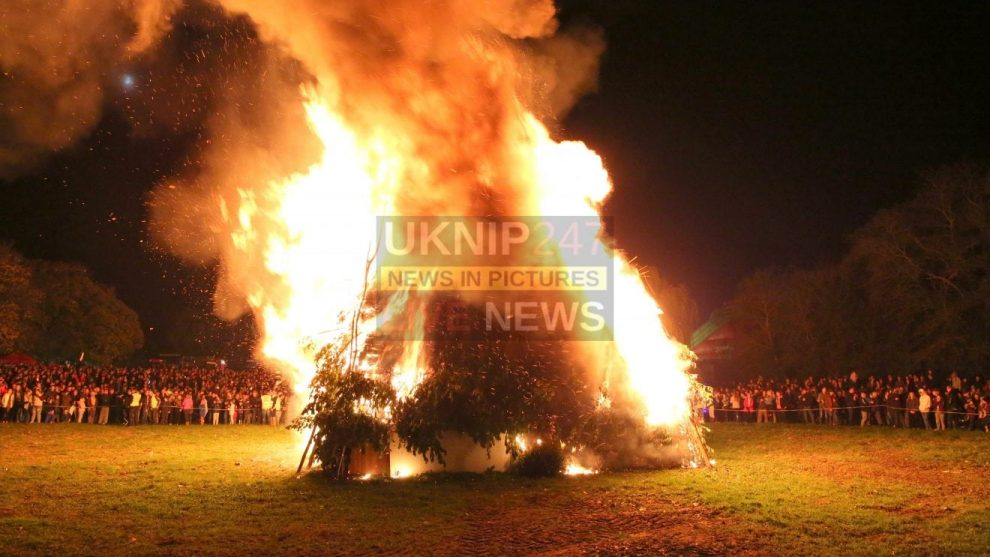 10000 people travel to see the best of the best ripley firework and bonfire display 2017