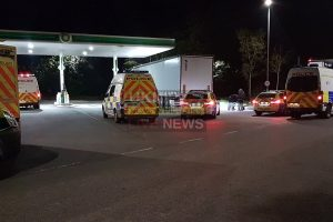 police arrest sixteen immigrants after they were found packed into two hgv at m25 motorway services