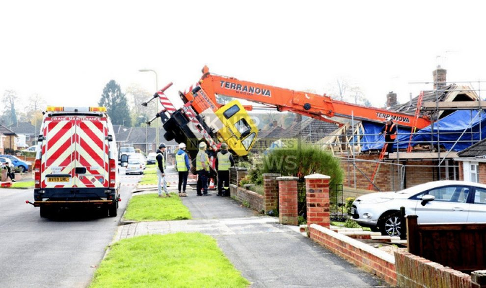 crane collapses into house in basingstoke