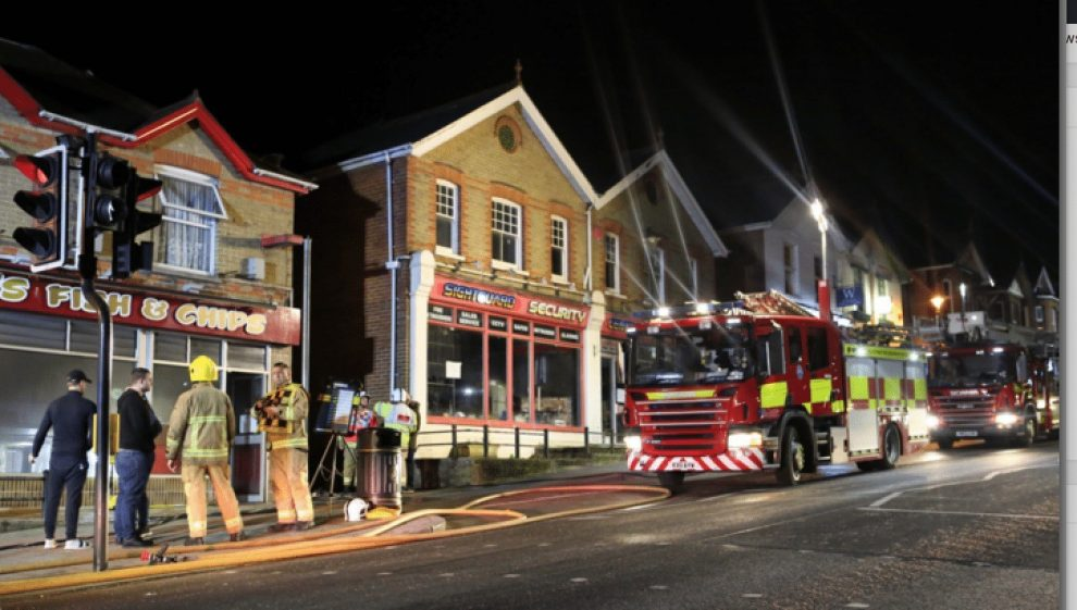 quick thinking staff praised by fire boss after fire breaks out at wootton chip shop