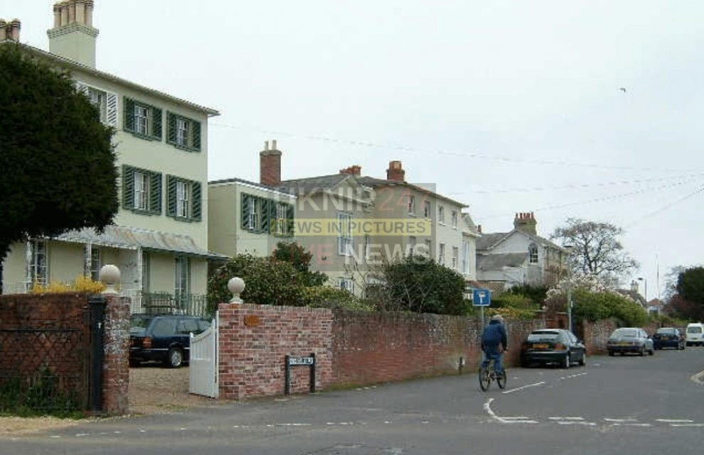 police appeal after attempted street robbery in lymington