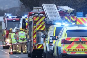 three people taken to hospitial following west wight road crash