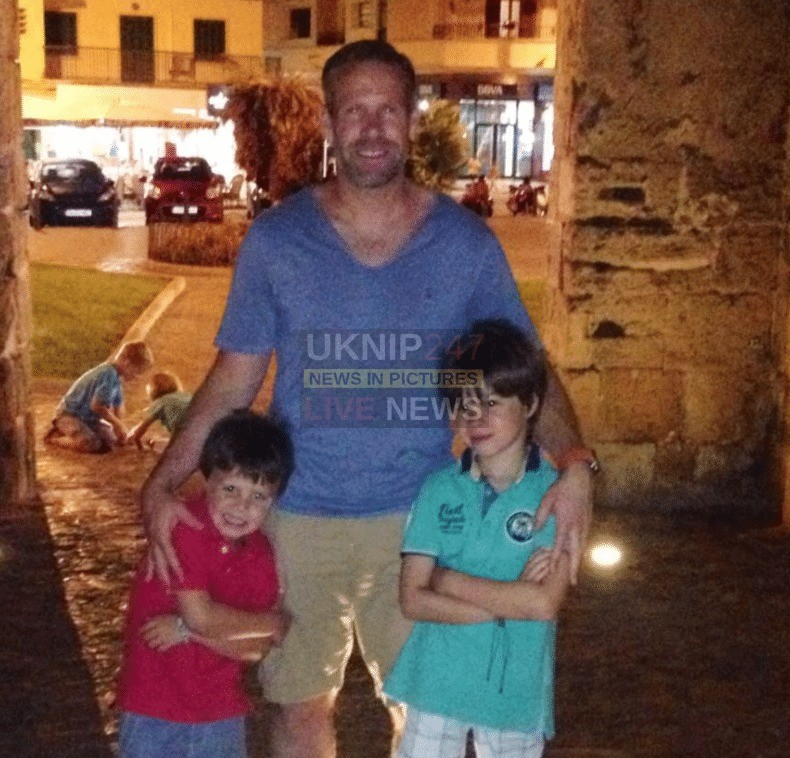 tributes paid to father of two stuart woodhouse who was killed in a collision near andover