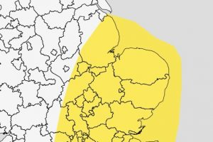 yellow weather warning issued by met office for monday