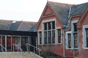 almost 9500 signatures to save great school on the isle of wight