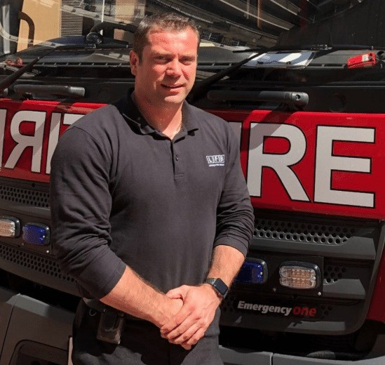 fire officer shows your never off duty after rescuing four using builders ladder