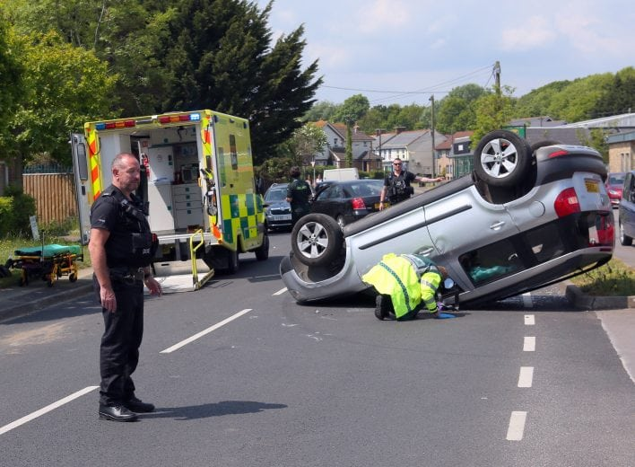 man loses part of his finger after vehicle rolls on the isle of wight