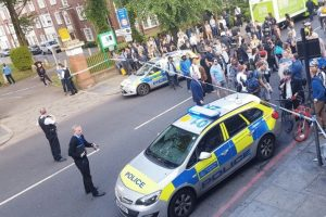 man stabbed in broad day blood bath in islington