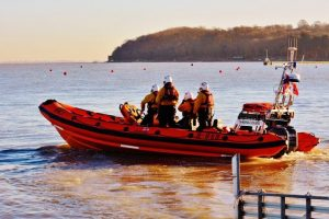 cowes lifeboat called to motorboat with no fuel