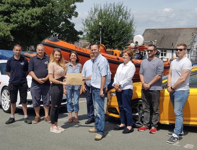 Isle Of Wight Ford Take Over Raise Much Need  Funds For Rnli