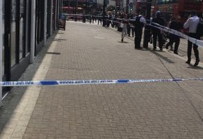 man stabbed in croydon in broad day light
