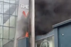 shopping centre evacuated as fire rips through zizzis restaurant in camberley