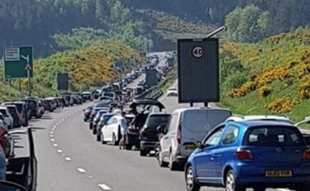 a3 hindhead tunnel closed following multi vehicle collision