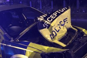 man arrested after ramming police car in north london