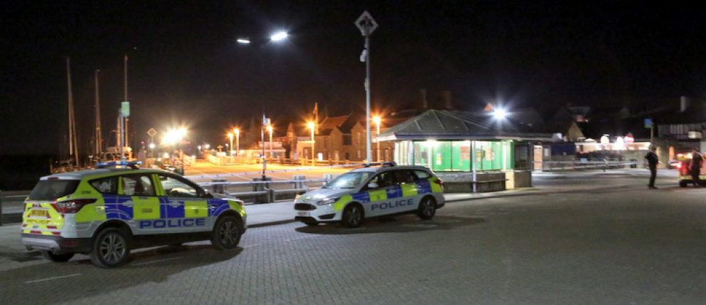 Man Arrested And West Wight  Bus Stop Sealed Off Following Serious Assault