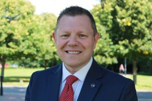 police officers vote in john apter as new national police chair