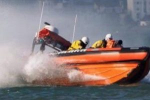 ryde rescue launched after vessel breaking its moorings in seaview