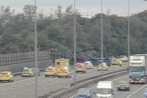 m60 motorway closed following multi vehicle collision